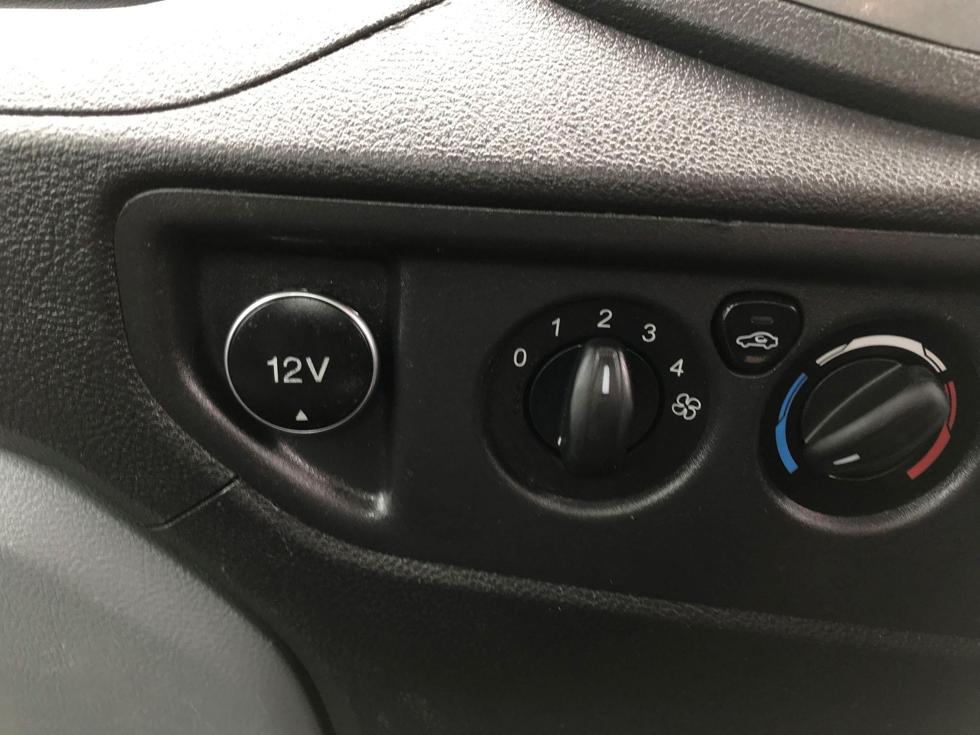 2015 Ford Transit  350 L2 SINGLE CAB TIPPER 100PS EURO 5 (FP65DHL) Image 16