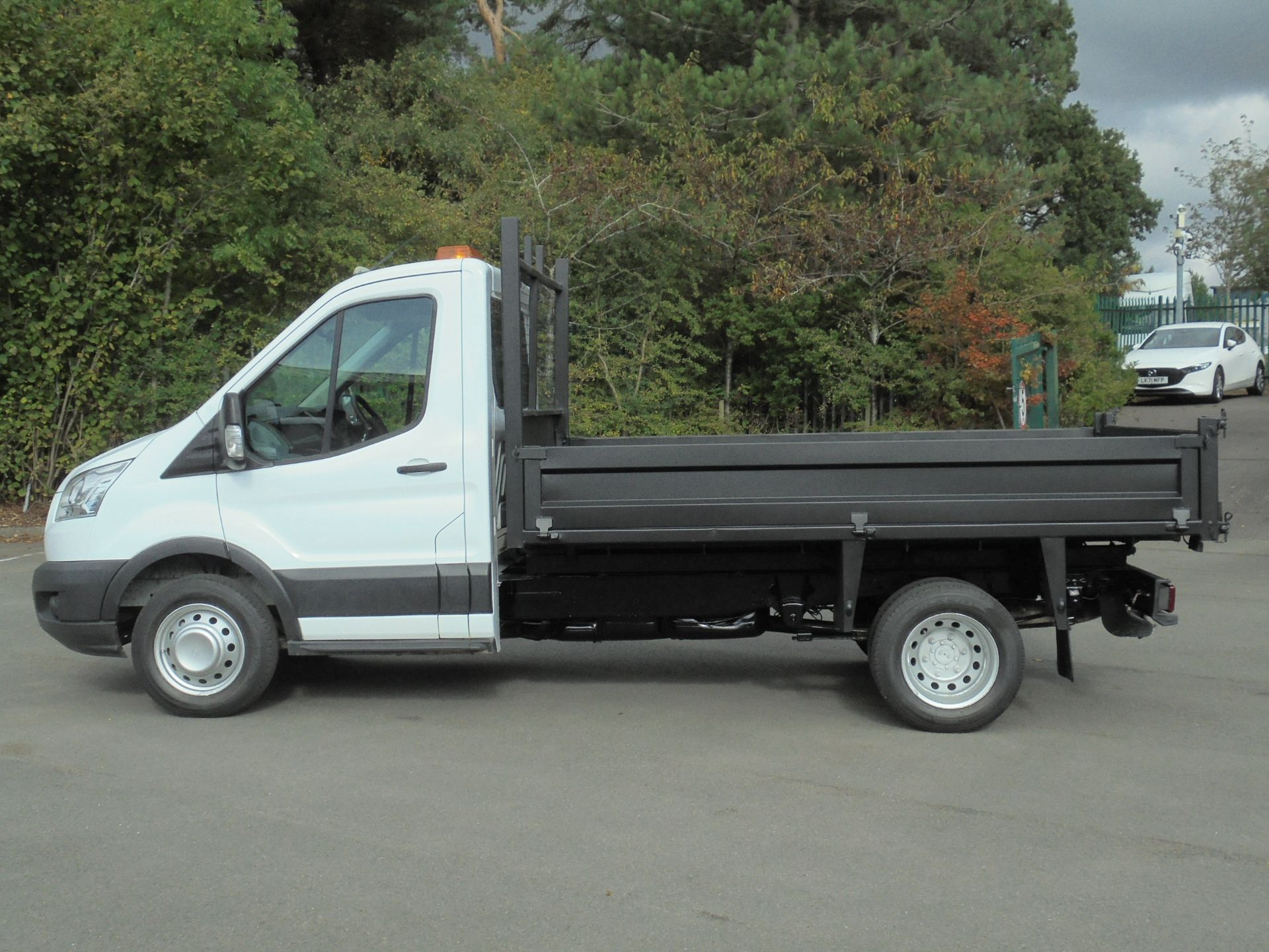 2015 Ford Transit 2.2 Tdci 125Ps Chassis Cab Tipper (FP65DJZ) Image 4