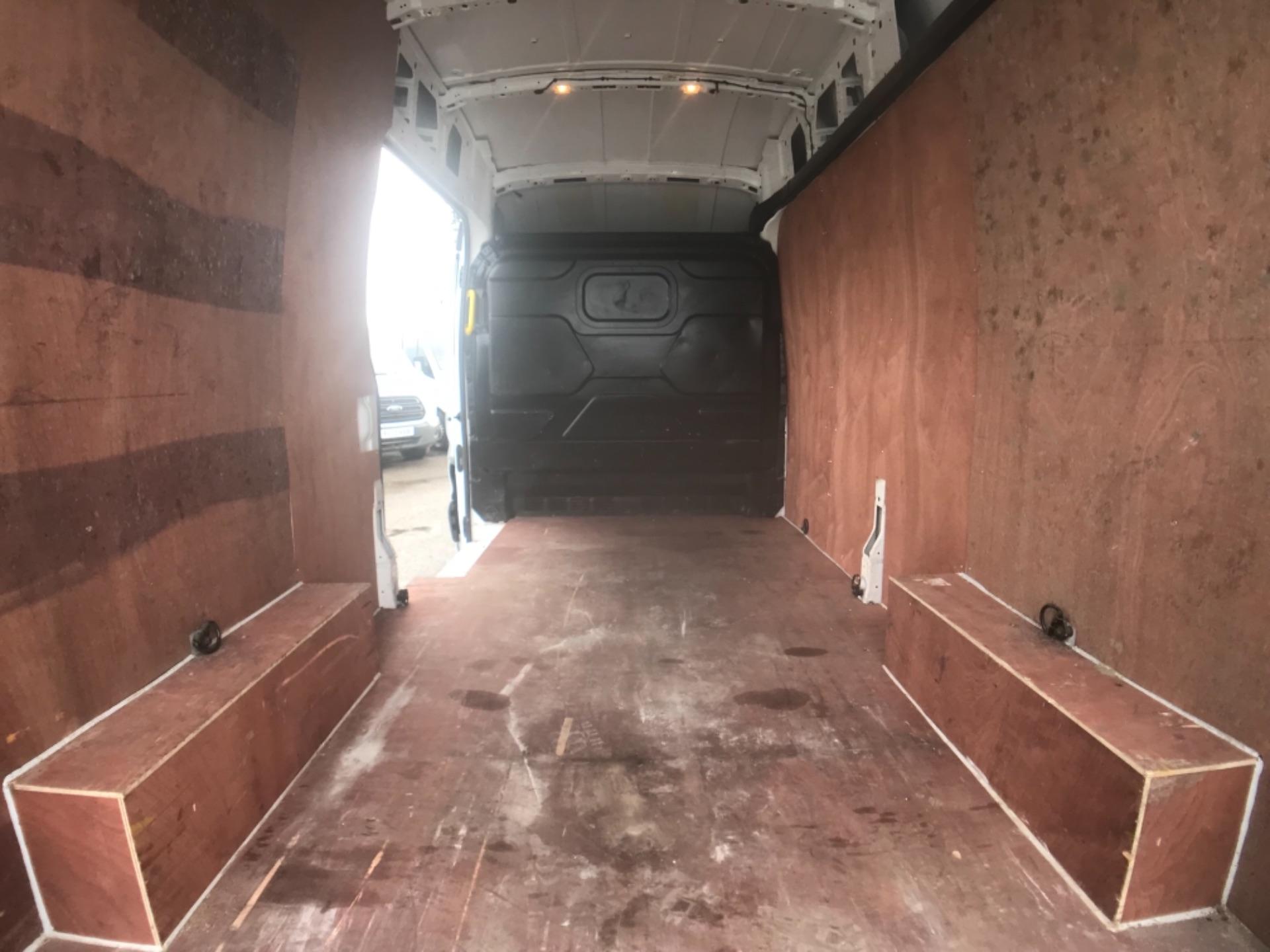 2017 Ford Transit 2.0 350 L3 H3 VAN 130PS EURO 6 (FP67HWZ) Image 25