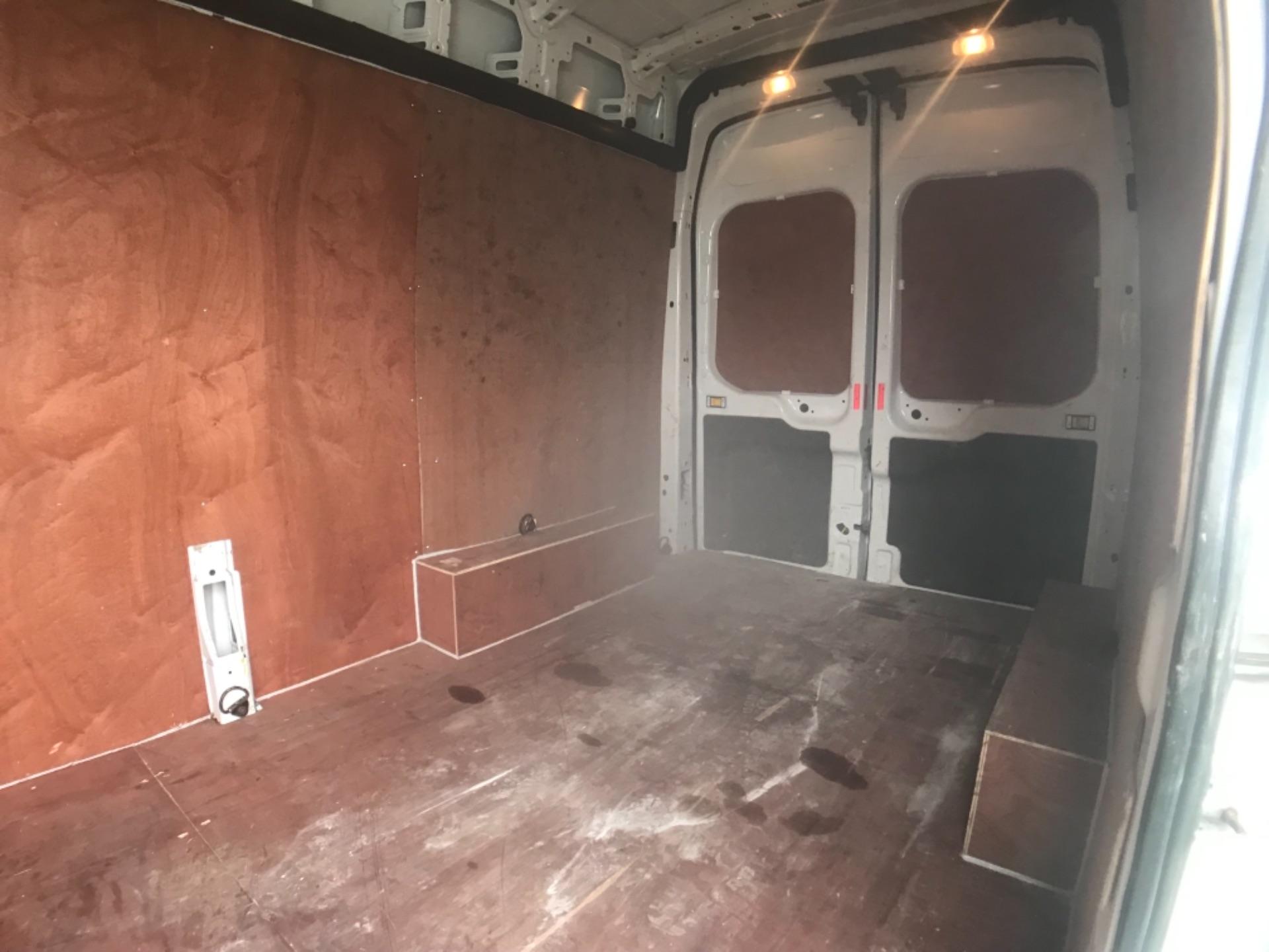 2017 Ford Transit 2.0 350 L3 H3 VAN 130PS EURO 6 (FP67HWZ) Image 24