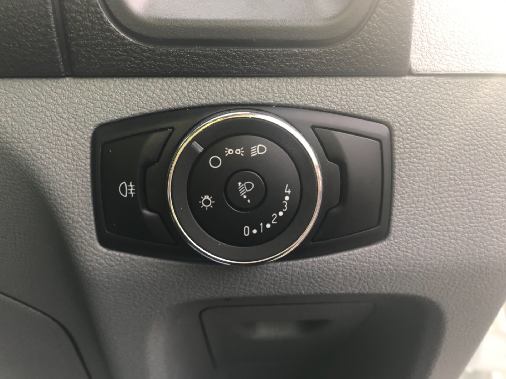 2017 Ford Transit 2.0 350 L3 H3 VAN 130PS EURO 6 (FP67HWZ) Image 21