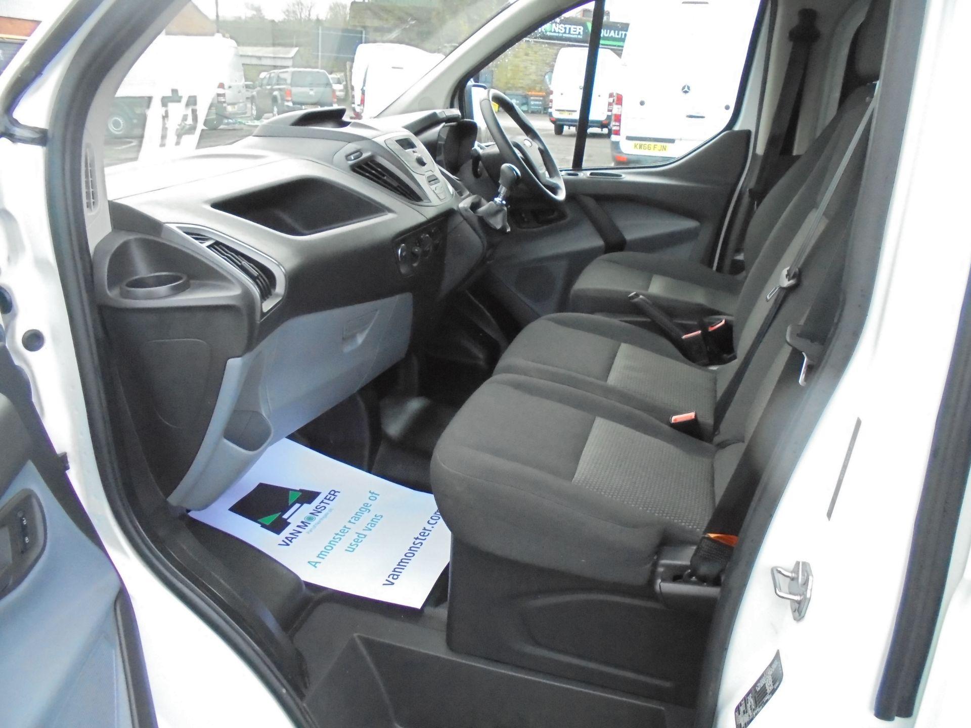 2017 Ford Transit Custom 2.0 Tdci 105Ps L1 H1 D/Cab Van (FP67HYH) Image 23