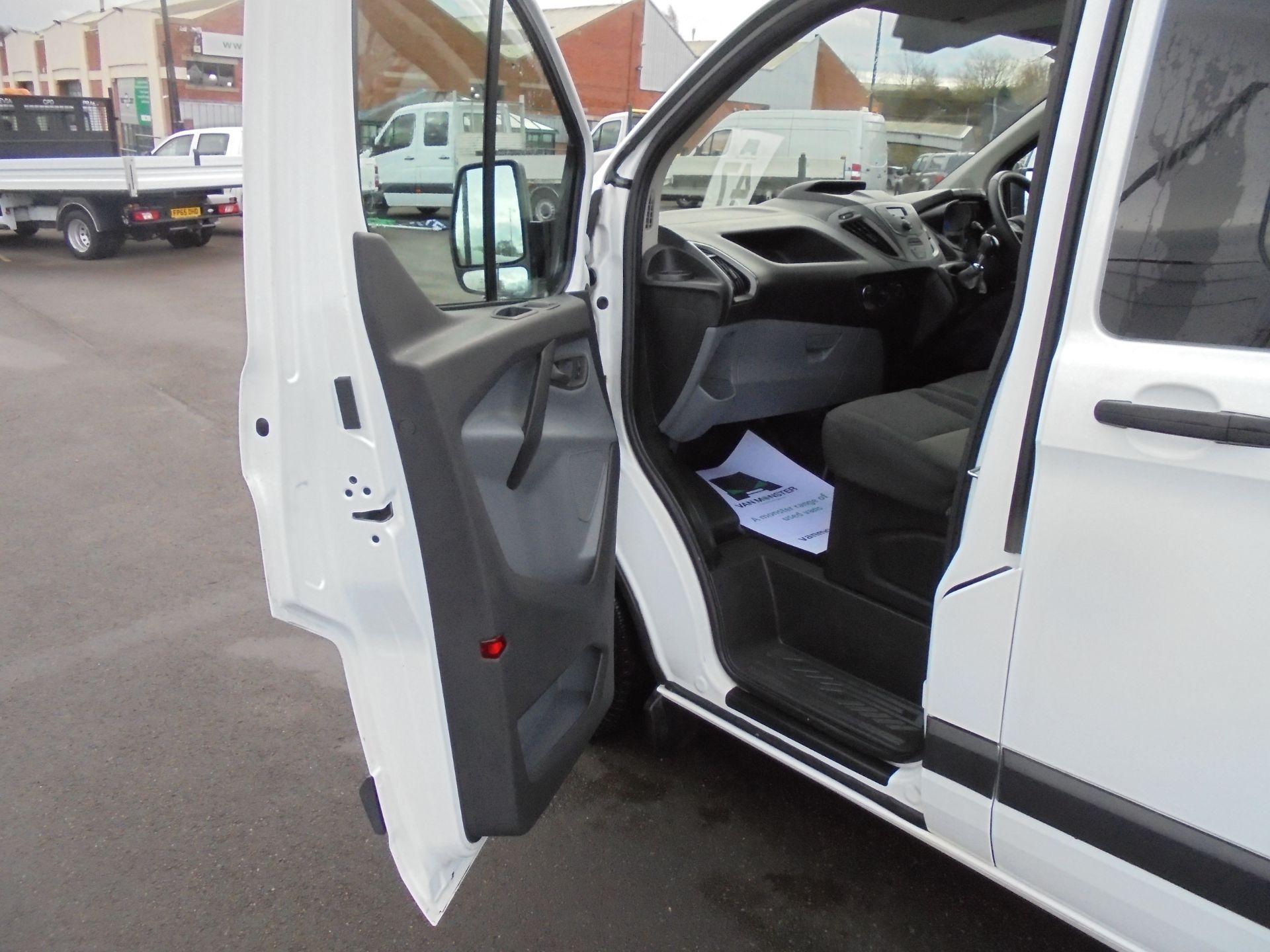 2017 Ford Transit Custom 2.0 Tdci 105Ps L1 H1 D/Cab Van (FP67HYH) Image 22