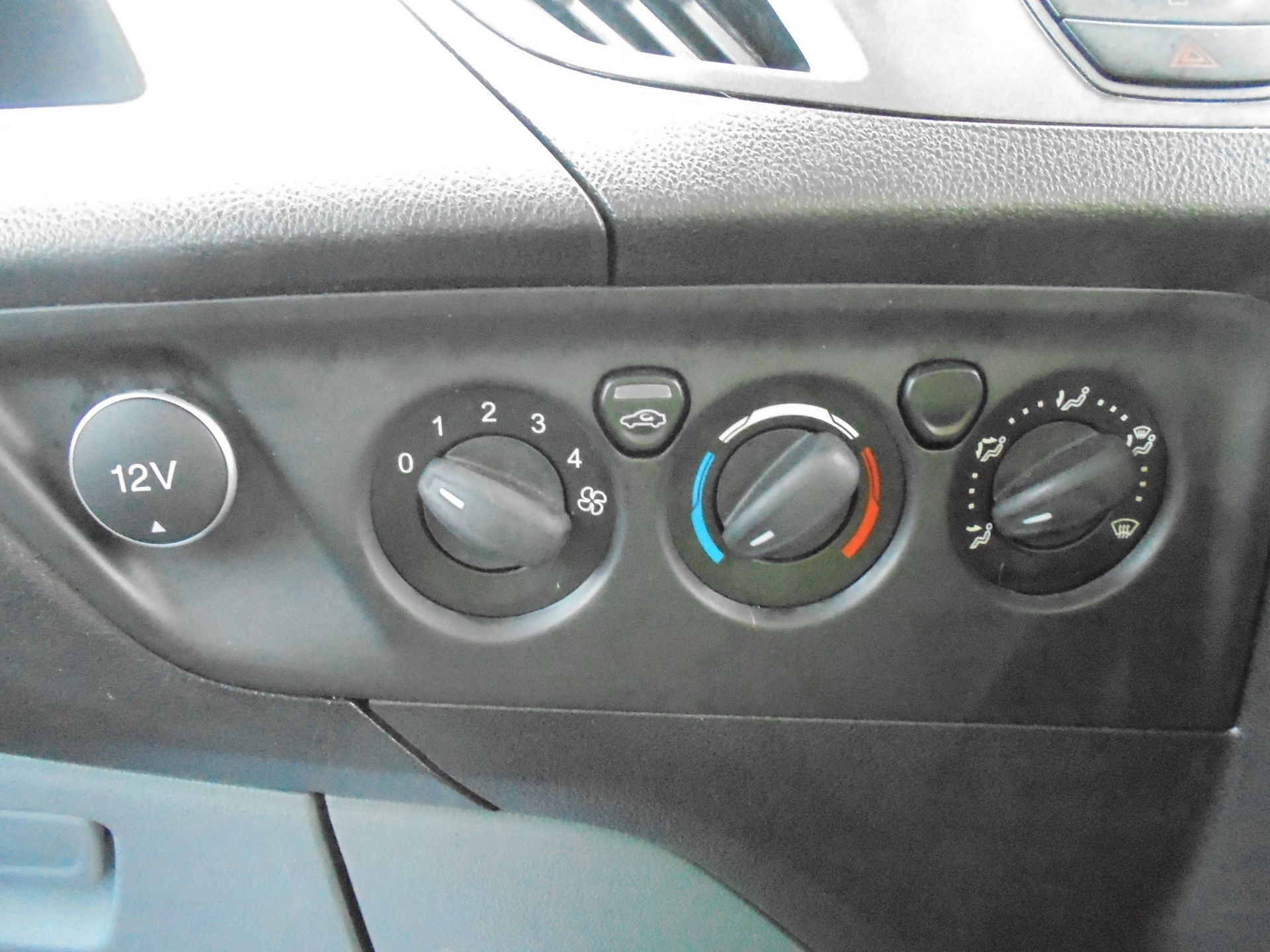 2017 Ford Transit Custom 2.0 Tdci 105Ps L1 H1 D/Cab Van (FP67HYH) Image 19