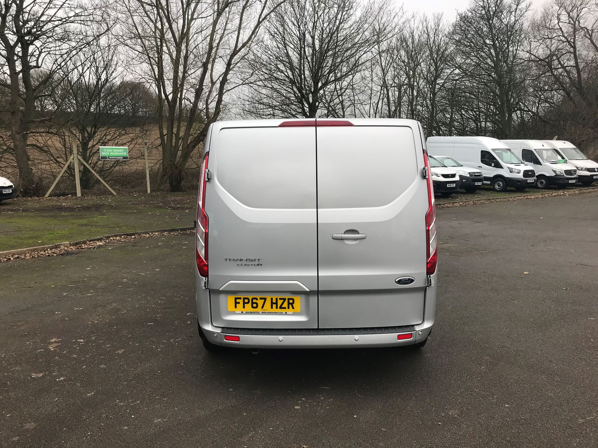 2017 Ford Transit Custom 2.0 TDCI 130PS LOW ROOF LIMITED VAN EURO 6 (FP67HZR) Image 6