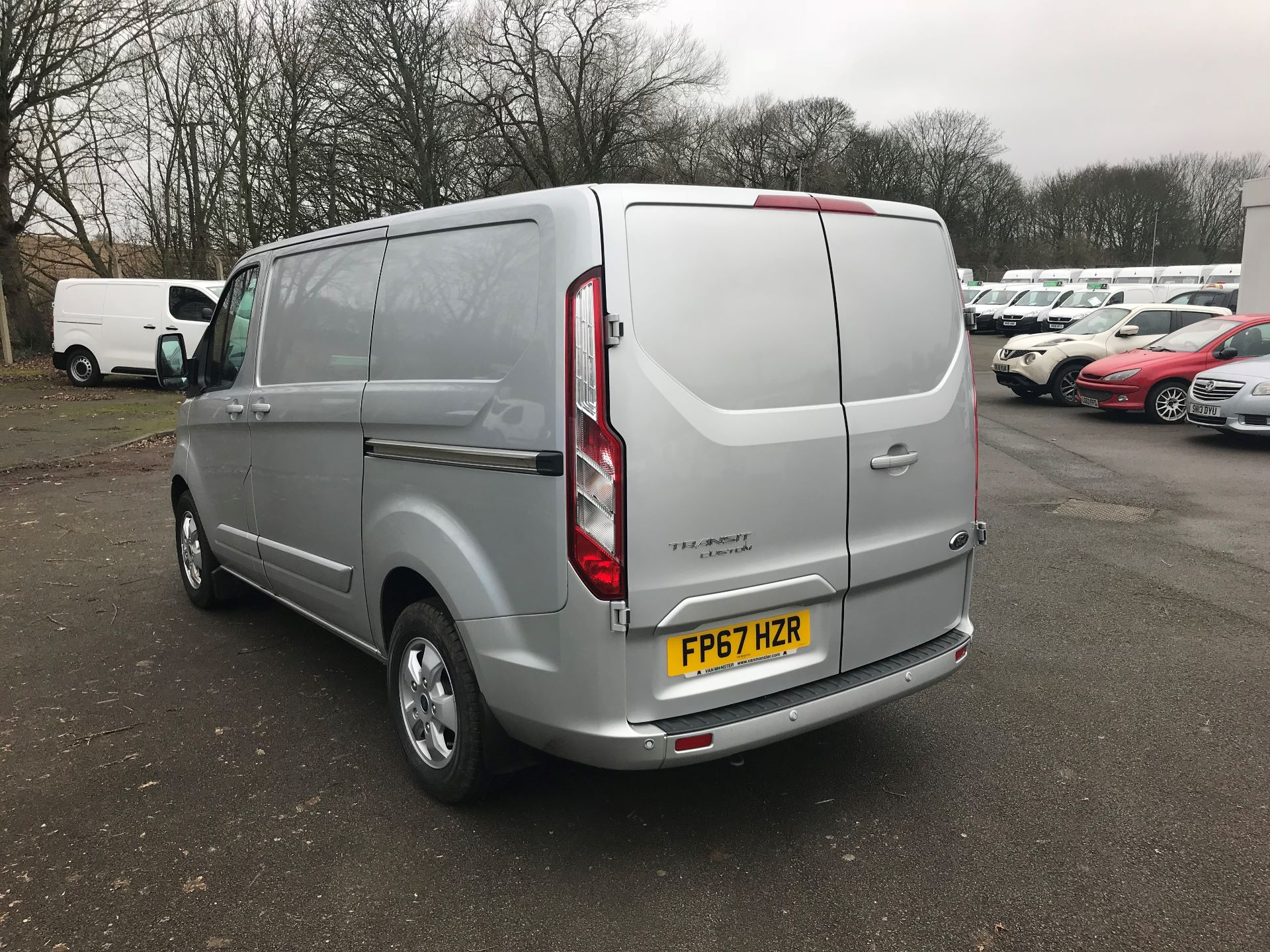 2017 Ford Transit Custom 2.0 TDCI 130PS LOW ROOF LIMITED VAN EURO 6 (FP67HZR) Image 5