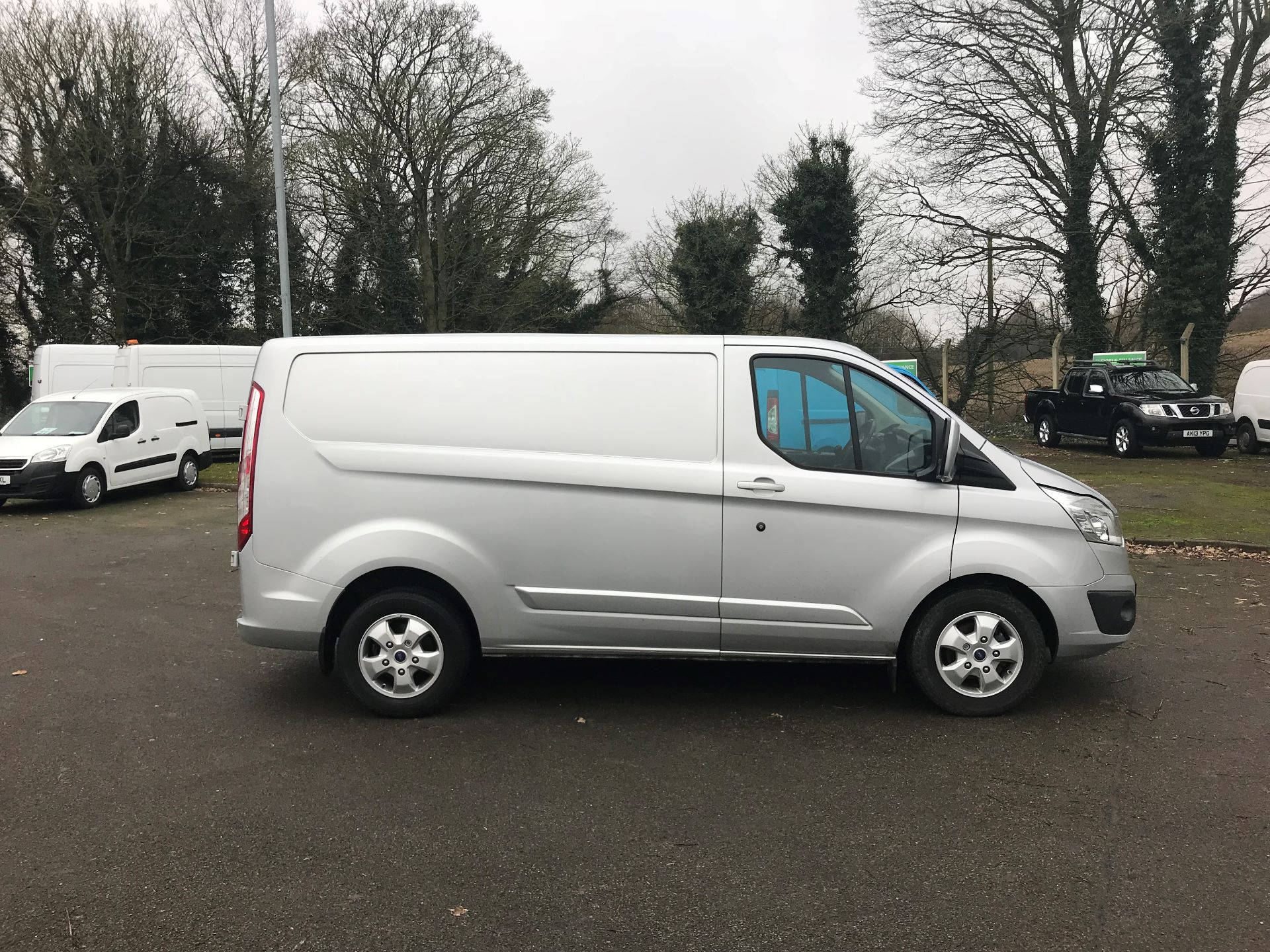 2017 Ford Transit Custom 2.0 TDCI 130PS LOW ROOF LIMITED VAN EURO 6 (FP67HZR) Image 8
