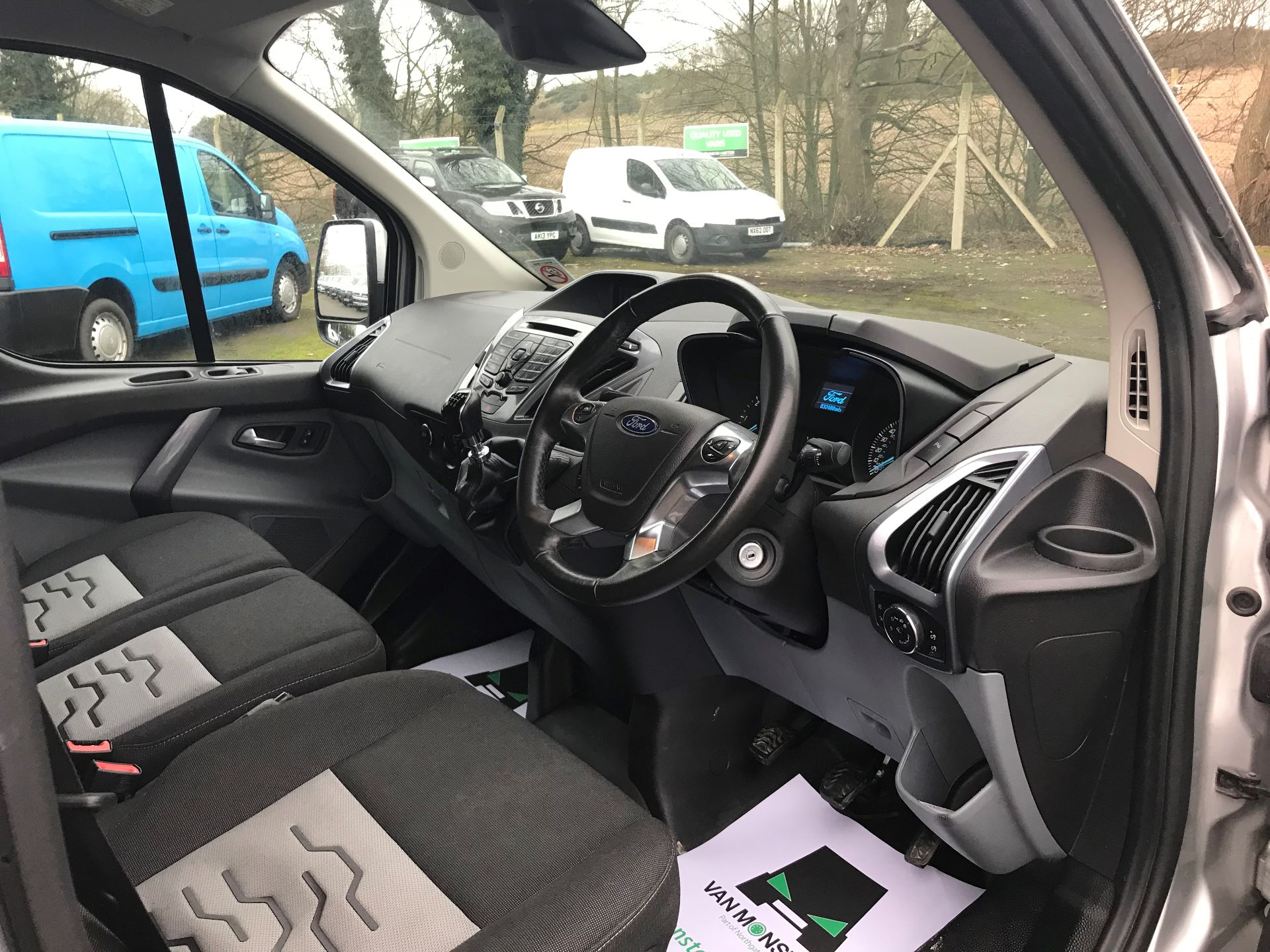 2017 Ford Transit Custom 2.0 TDCI 130PS LOW ROOF LIMITED VAN EURO 6 (FP67HZR) Image 17