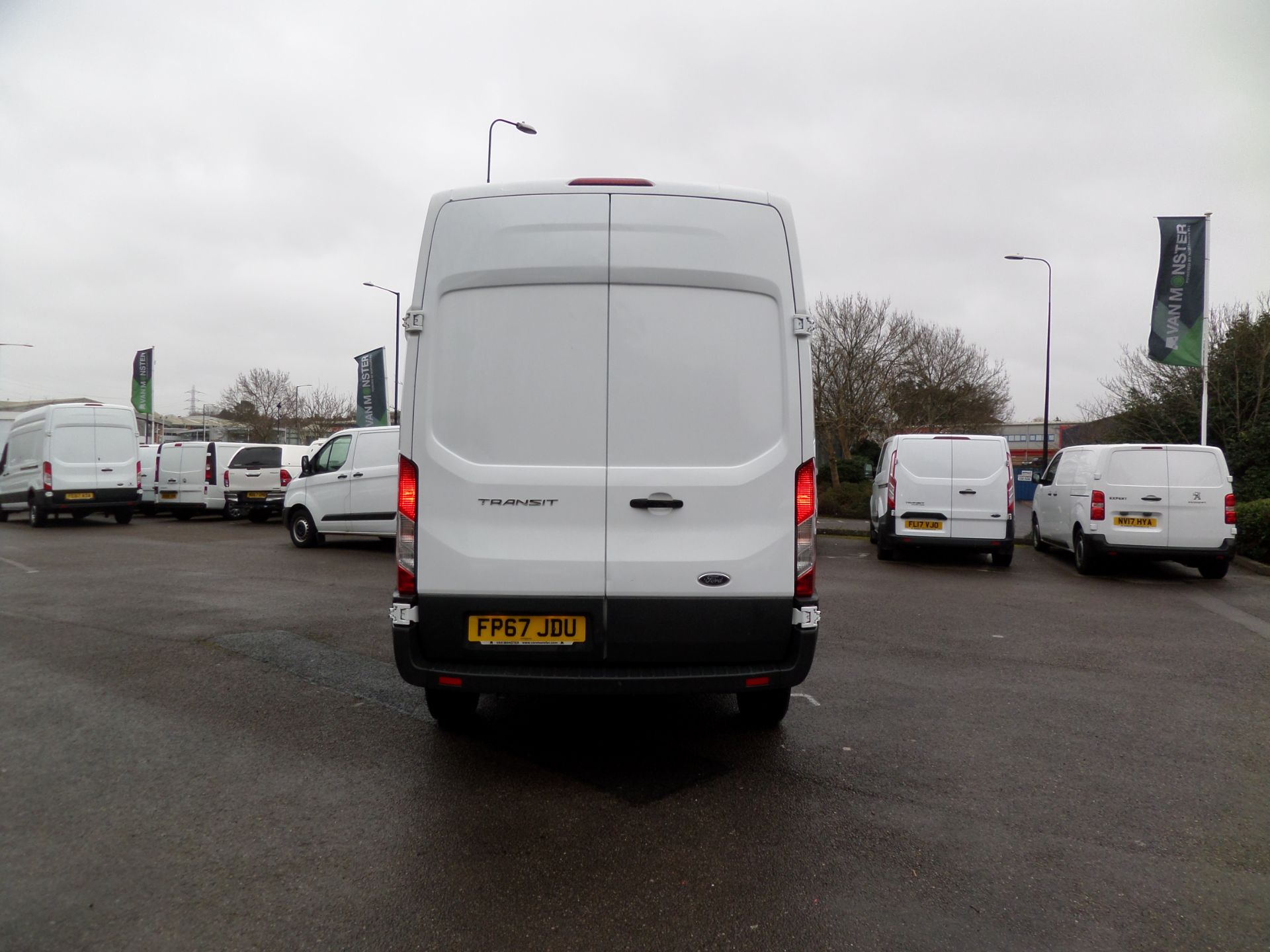 2017 Ford Transit 2.0 Tdci 130Ps H3 Van Euro 6 (FP67JDU) Image 3