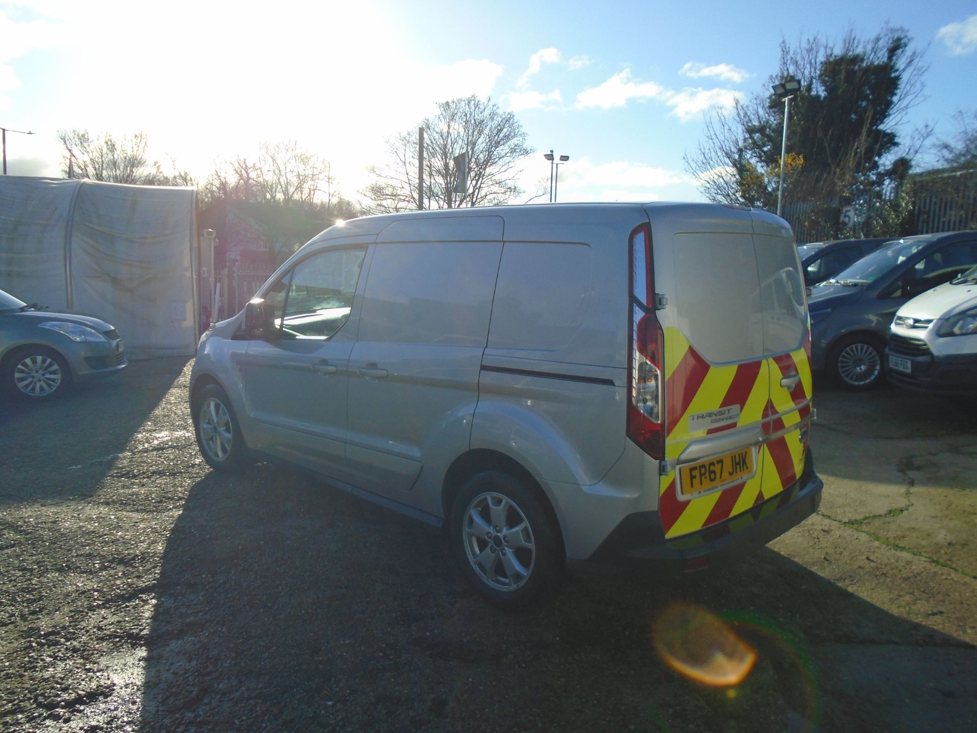 2017 Ford Transit Connect 1.5 Tdci 120Ps Limited Van EURO 6 (FP67JHK) Image 4