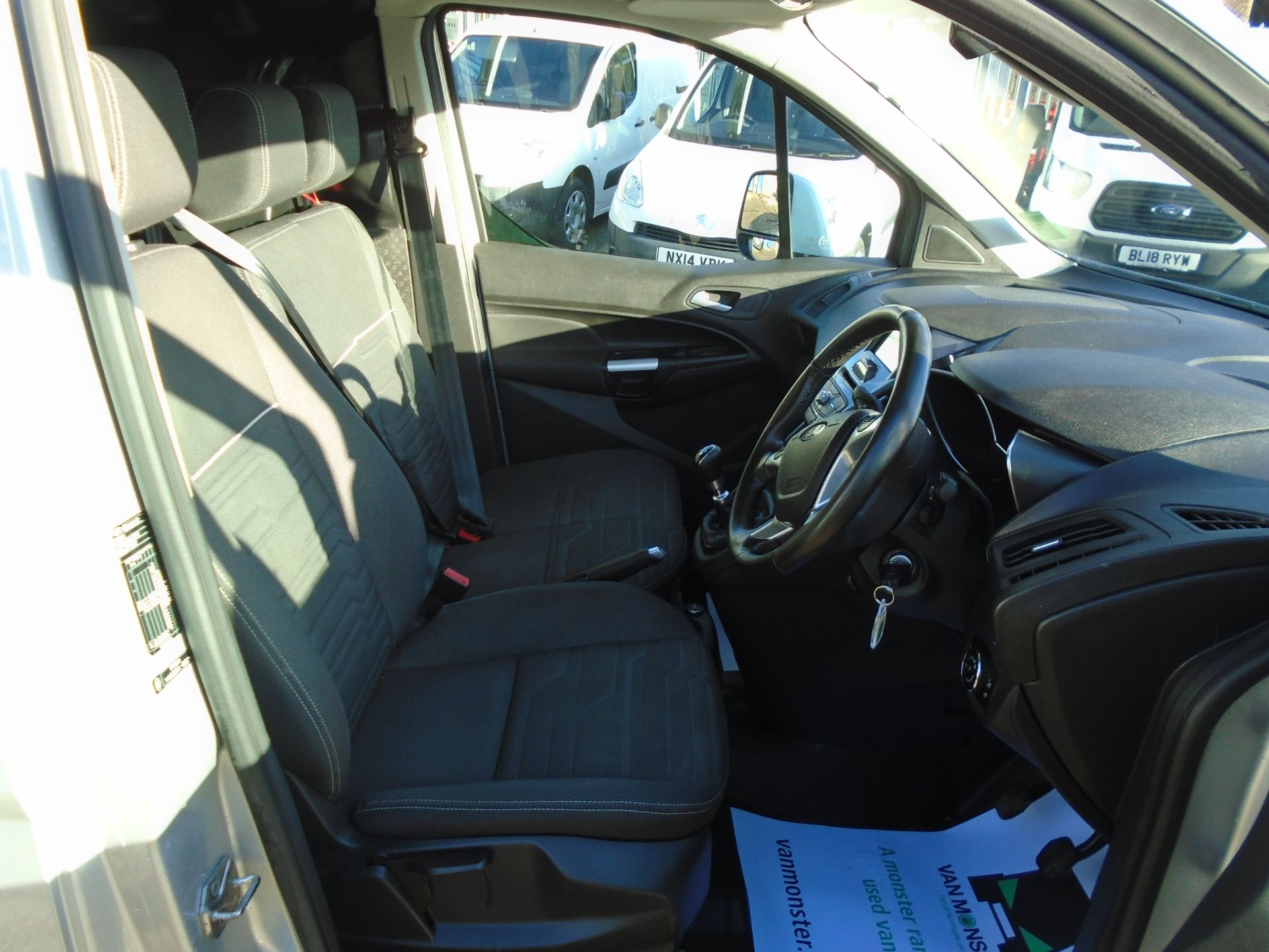 2017 Ford Transit Connect 1.5 Tdci 120Ps Limited Van EURO 6 (FP67JHK) Image 19