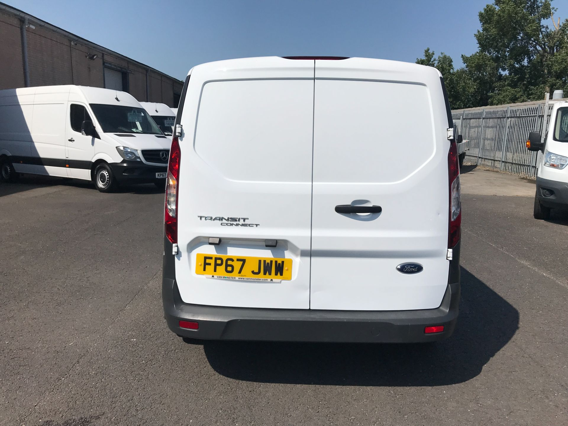 2017 Ford Transit Connect T220 L1 H1 1.5TDCi 75PS DOUBLE CAB EURO 6 (FP67JWW) Image 21