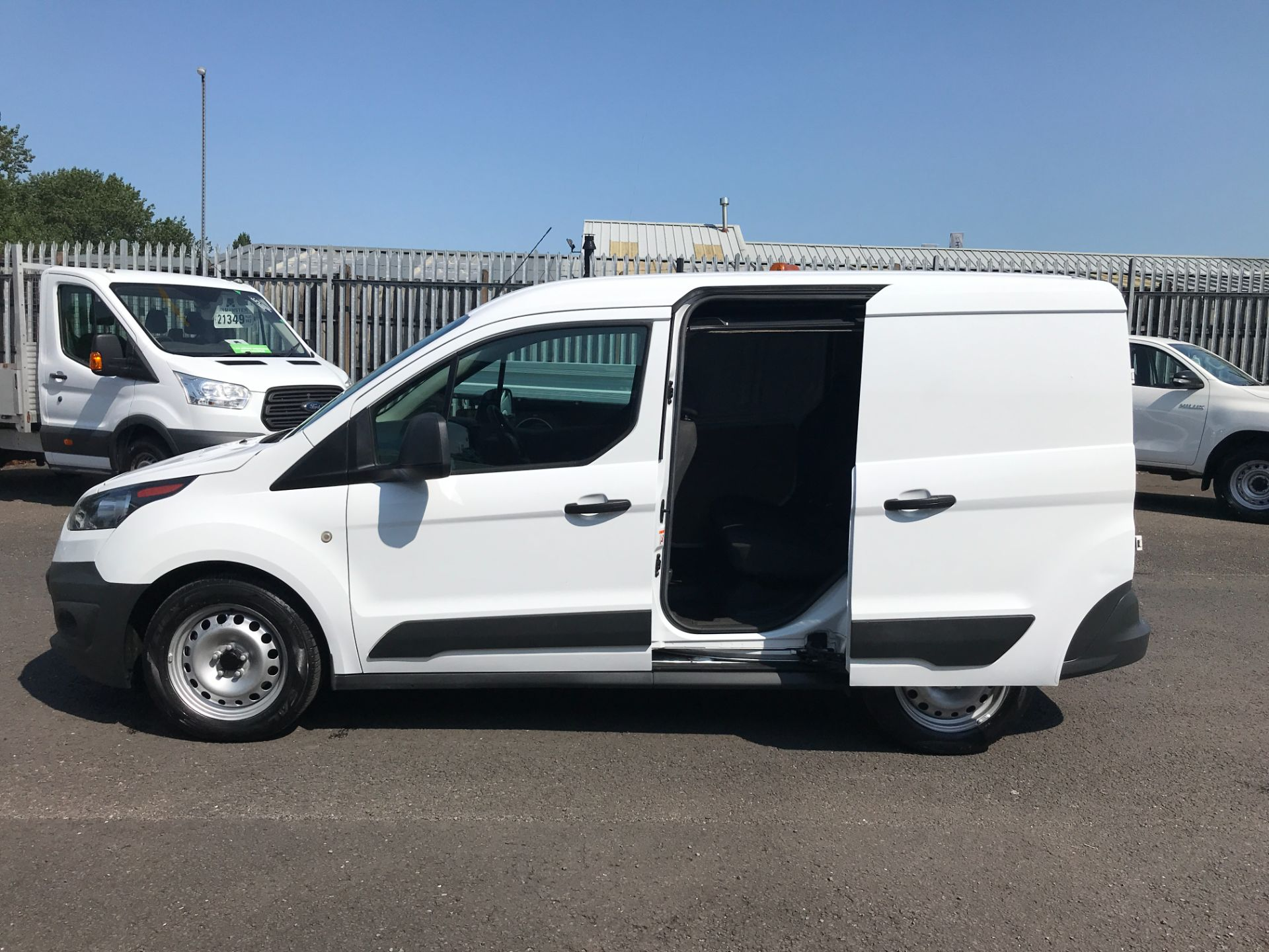 2017 Ford Transit Connect T220 L1 H1 1.5TDCi 75PS DOUBLE CAB EURO 6 (FP67JWW) Image 8