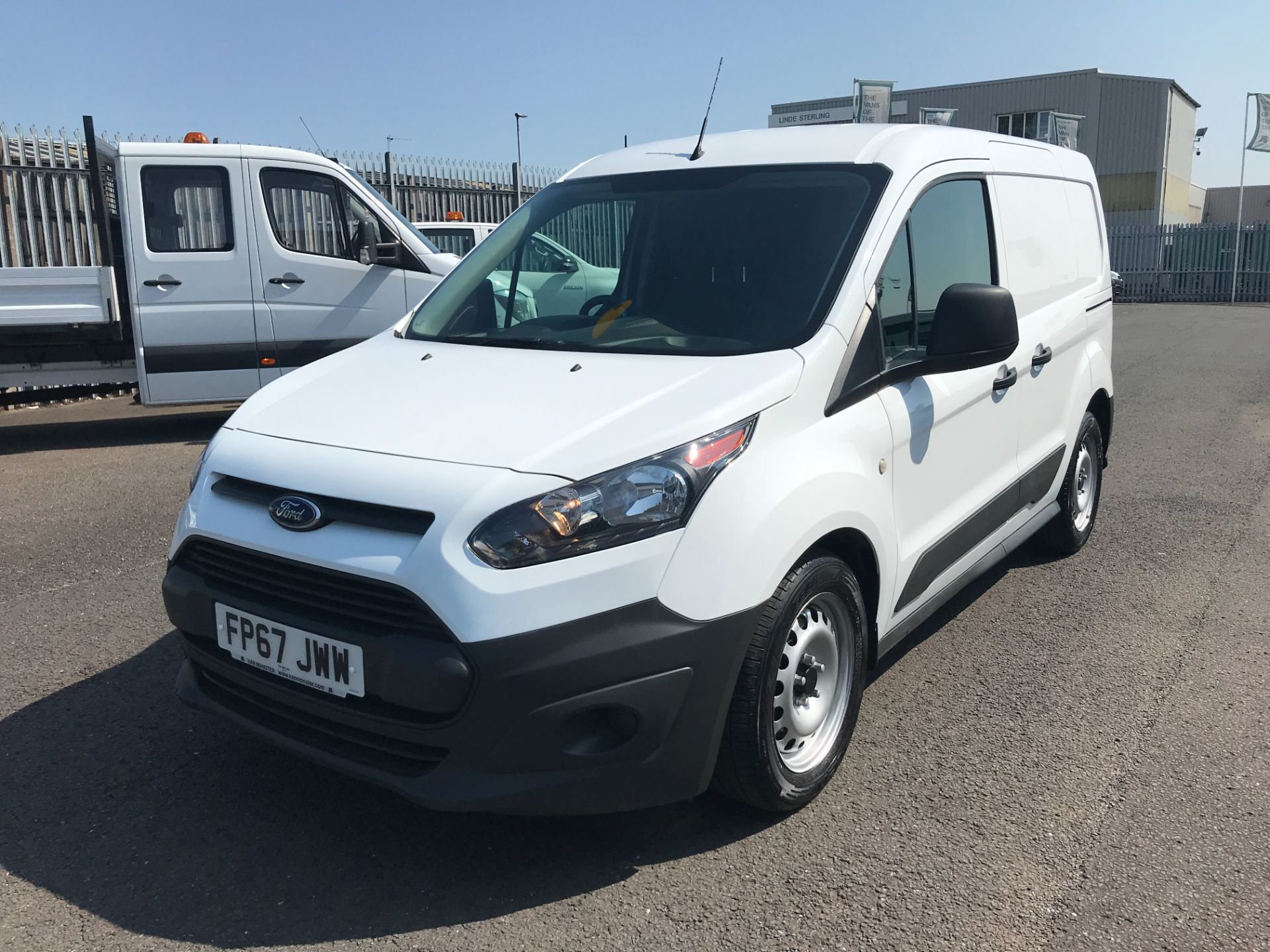 2017 Ford Transit Connect T220 L1 H1 1.5TDCi 75PS DOUBLE CAB EURO 6 (FP67JWW) Image 2