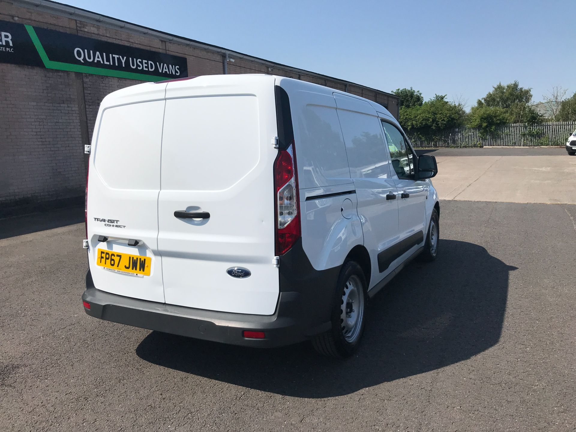 2017 Ford Transit Connect T220 L1 H1 1.5TDCi 75PS DOUBLE CAB EURO 6 (FP67JWW) Image 3