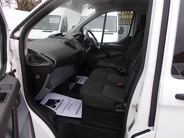 2017 Ford Transit Custom 2.0 Tdci 130Ps Low Roof Kombi Van (FP67JWZ) Image 13