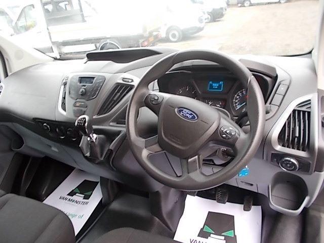2017 Ford Transit Custom 2.0 Tdci 130Ps Low Roof Kombi Van (FP67JWZ) Image 3