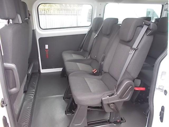 2017 Ford Transit Custom 2.0 Tdci 130Ps Low Roof Kombi Van (FP67JWZ) Image 18