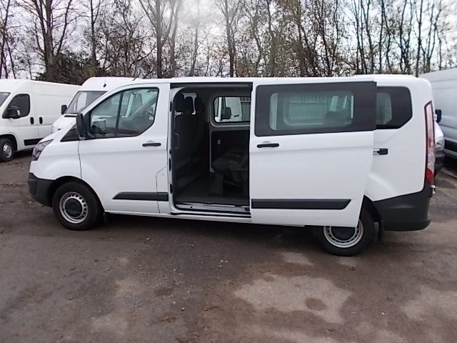 2017 Ford Transit Custom 2.0 Tdci 130Ps Low Roof Kombi Van (FP67JWZ) Image 20