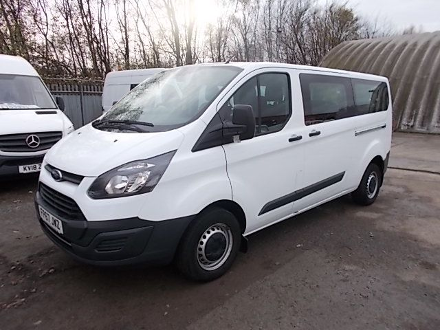 2017 Ford Transit Custom  310  L2  LOW ROOF  KOMBI 130PS EURO 6 (FP67JWZ) Image 2