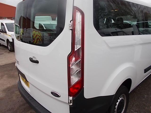 2017 Ford Transit Custom  310  L2  LOW ROOF  KOMBI 130PS EURO 6 (FP67JWZ) Image 29