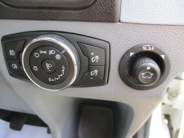 2017 Ford Transit  350 L3 H2 VAN 170PS TREND EURO 6 (FP67JYD) Image 18