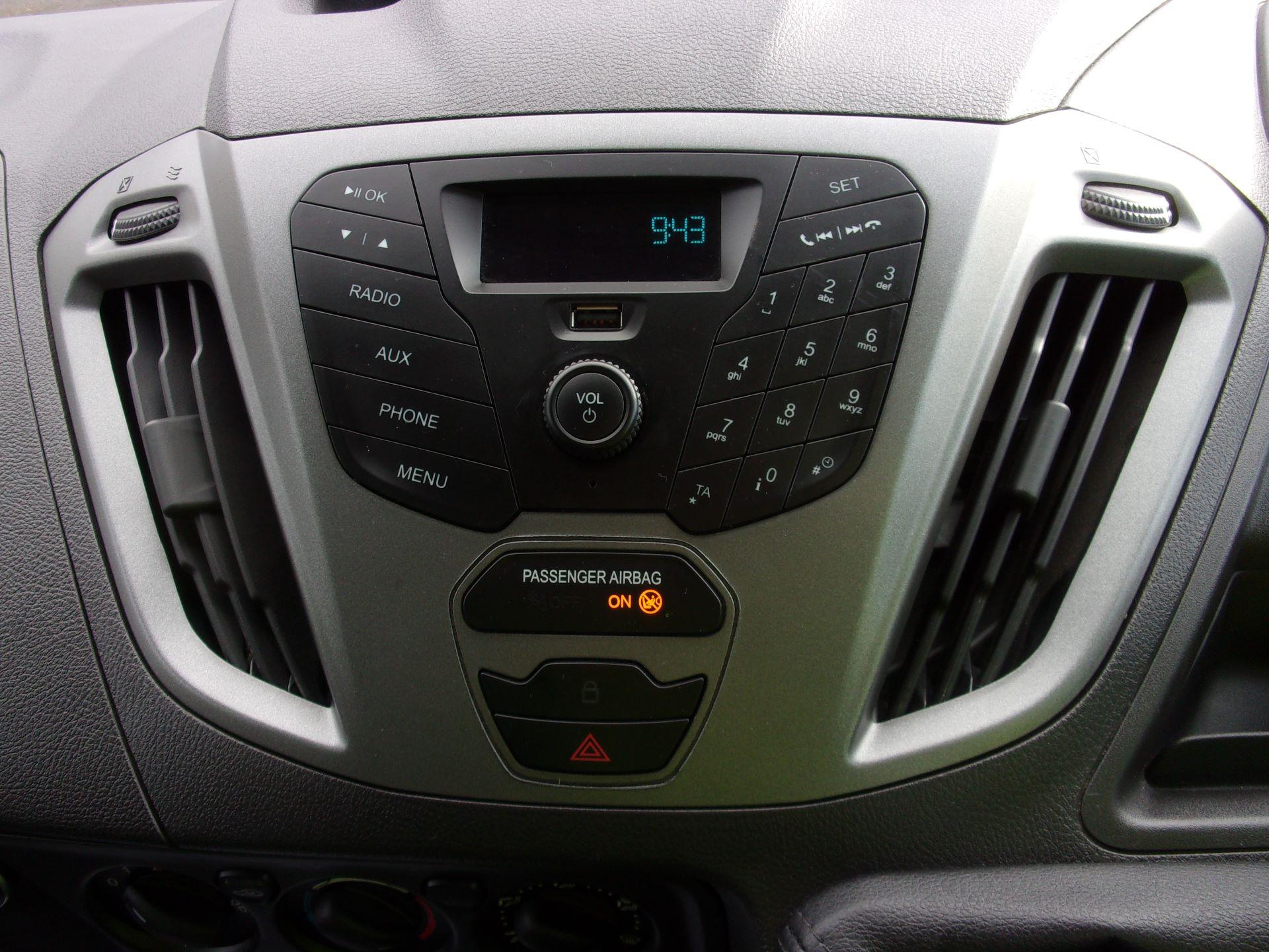 2017 Ford Transit Custom 310 L2 DIESEL FWD 2.0 TDCI 130PS KOMBI EURO 6 (FP67JYK) Image 3