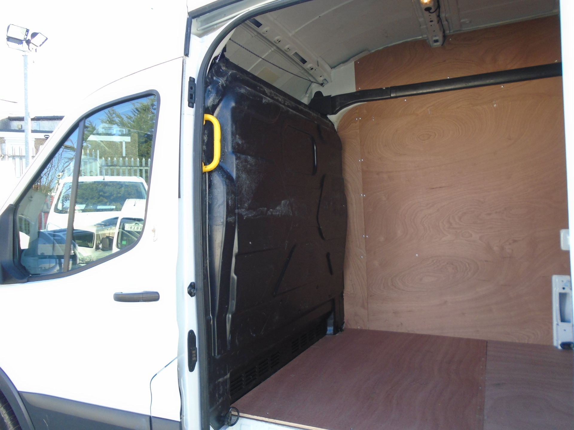 2017 Ford Transit 2.0 Tdci 130Ps H3 Van (FP67JZL) Image 8