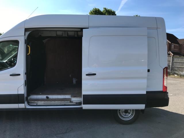 2017 Ford Transit 2.0 Tdci 130Ps H3 Van Euro 6 (FP67JZR) Image 31