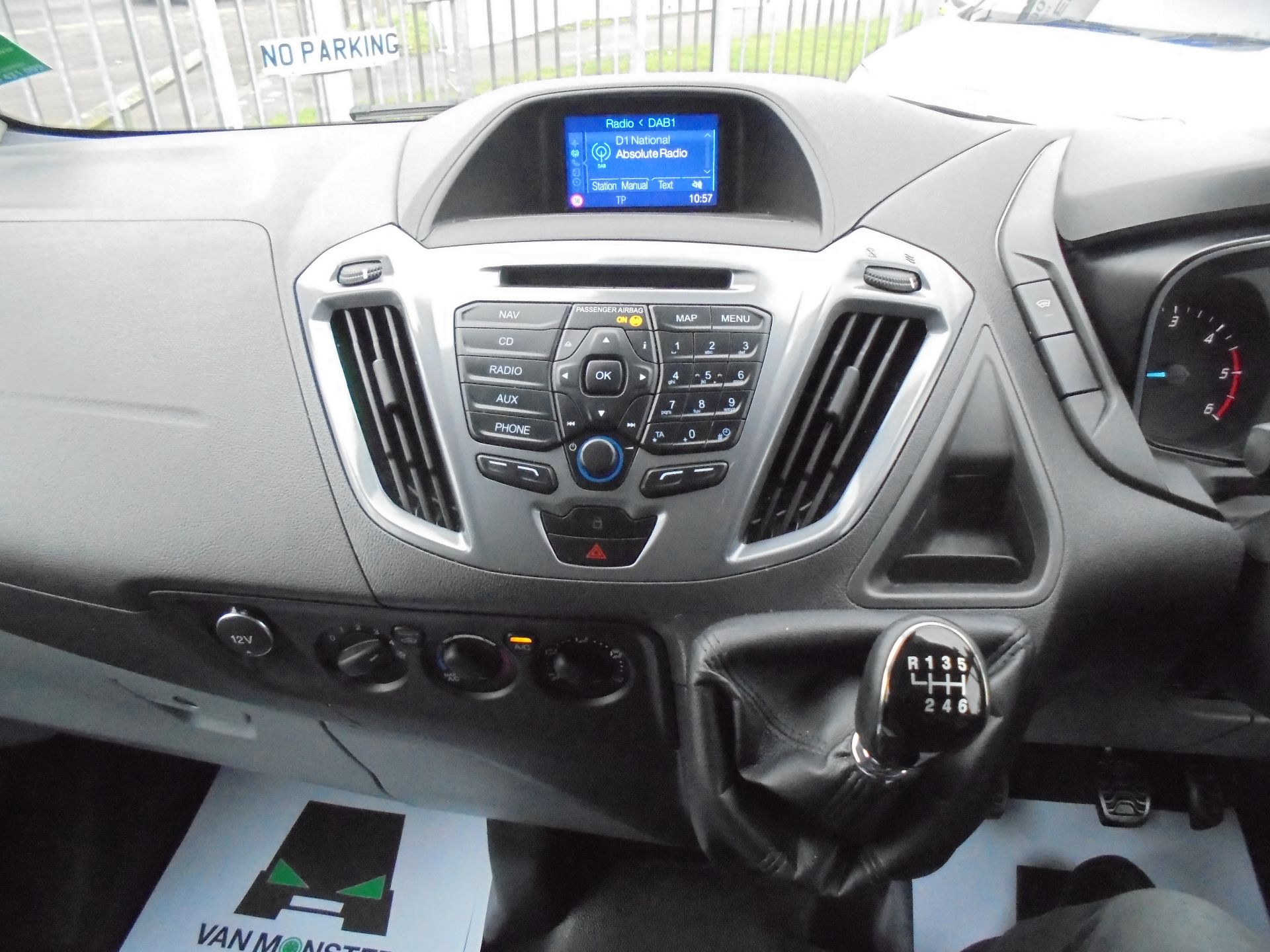 2017 Ford Transit Custom  290 L1 DIESEL FWD 2.0 TDCI 130 PS LOW ROOF LIMITED VAN EURO 6 (FP67KAU) Image 13