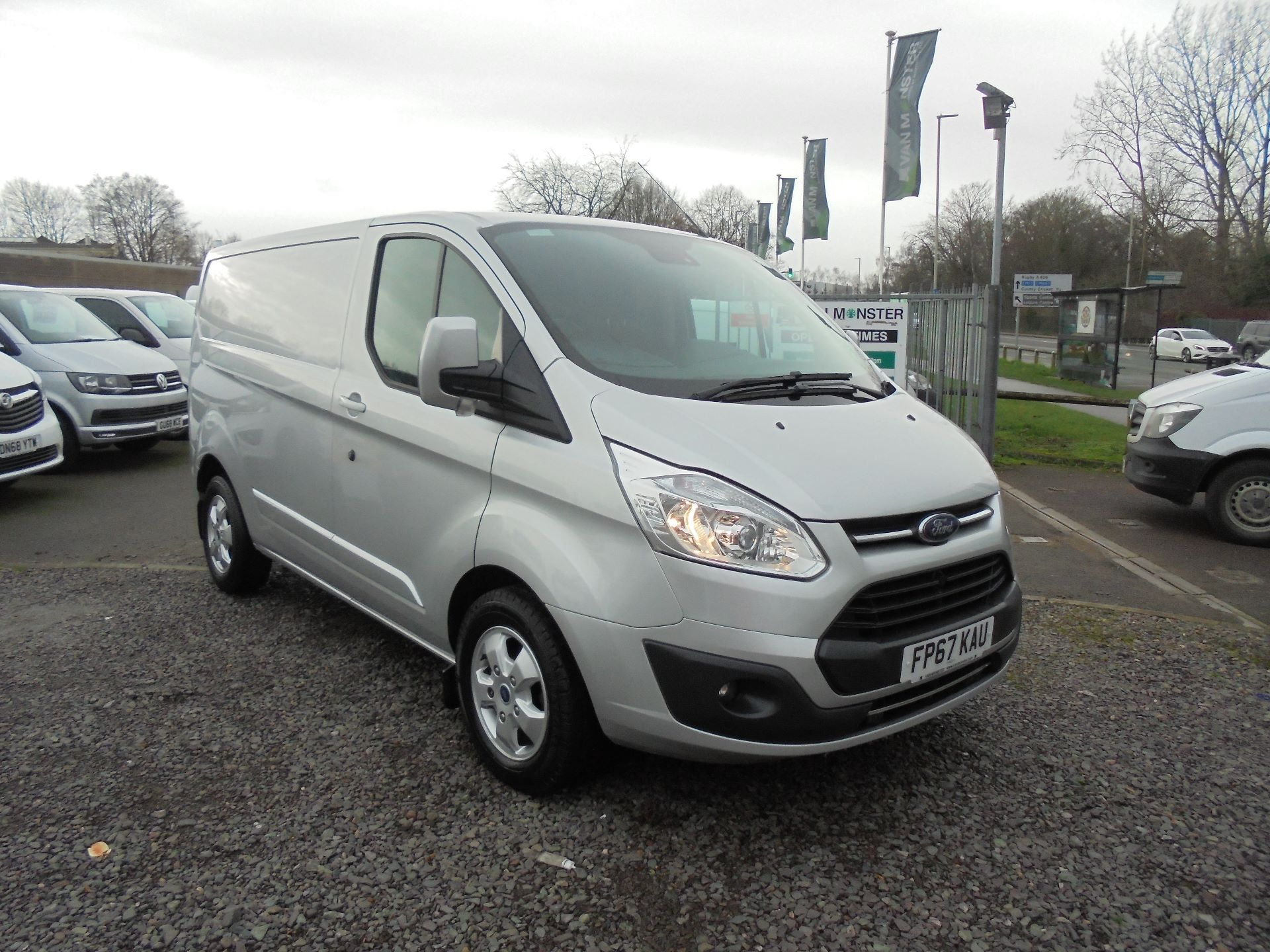 2017 Ford Transit Custom  290 L1 DIESEL FWD 2.0 TDCI 130 PS LOW ROOF LIMITED VAN EURO 6 (FP67KAU)