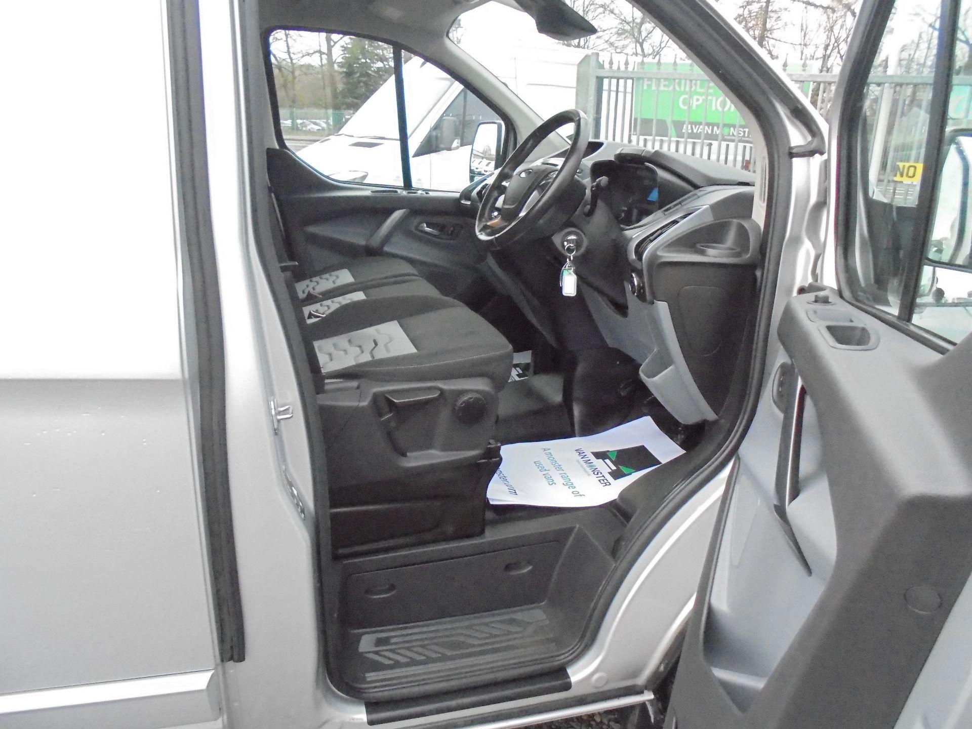 2017 Ford Transit Custom  290 L1 DIESEL FWD 2.0 TDCI 130 PS LOW ROOF LIMITED VAN EURO 6 (FP67KAU) Image 11