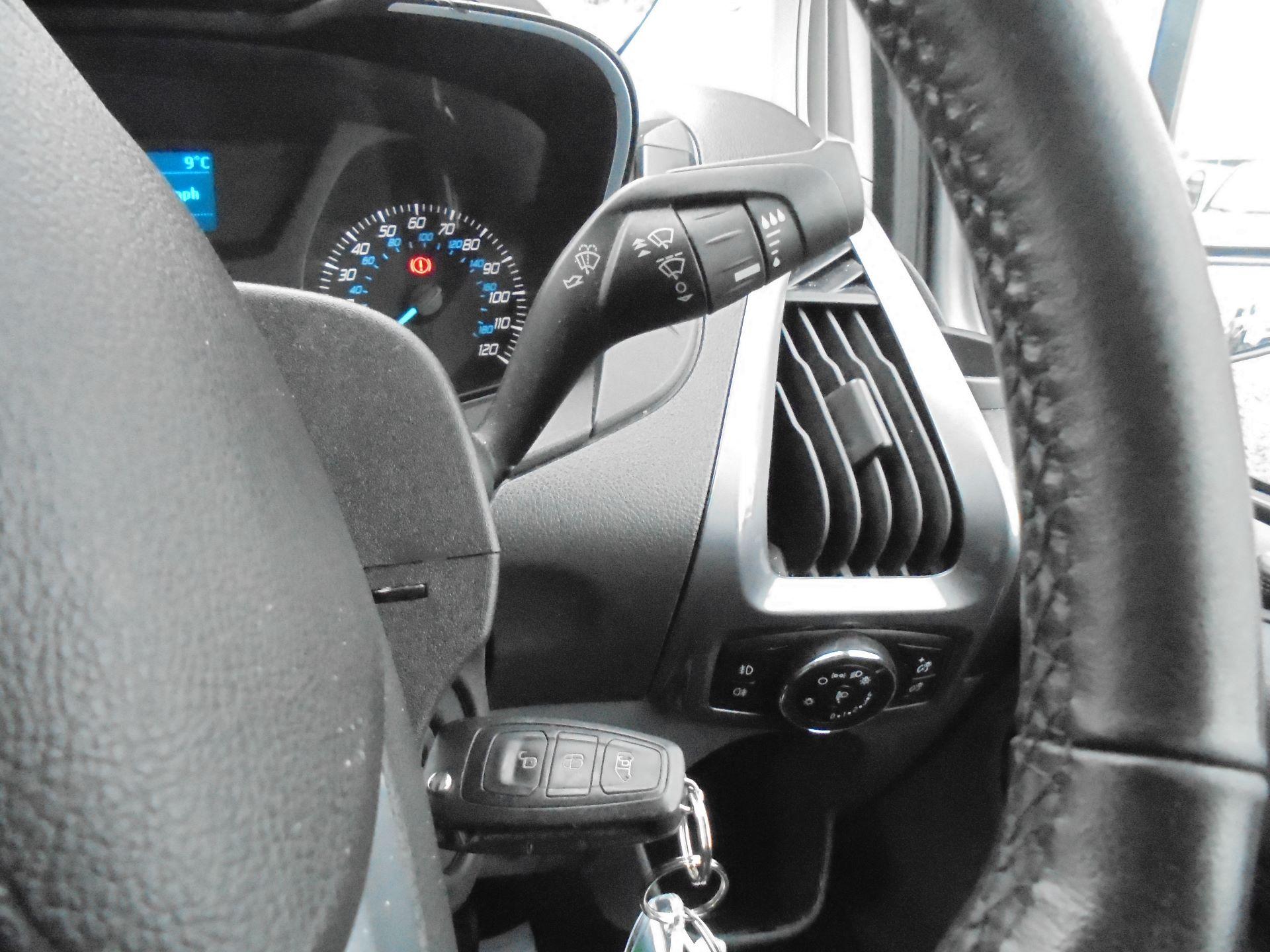 2017 Ford Transit Custom  290 L1 DIESEL FWD 2.0 TDCI 130 PS LOW ROOF LIMITED VAN EURO 6 (FP67KAU) Image 19
