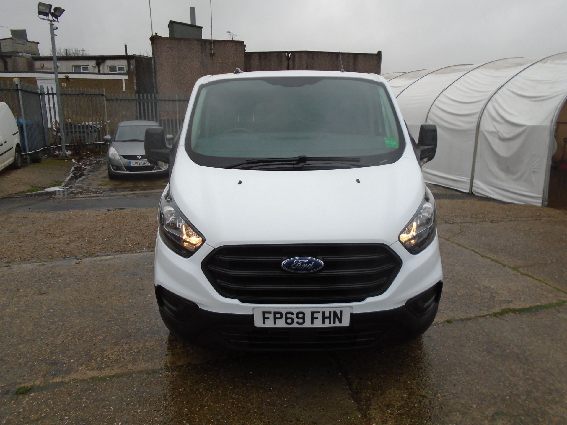 2019 Ford Transit Custom 2.0 Ecoblue 105Ps Low Roof Leader Van *EURO 6* (FP69FHN) Image 2
