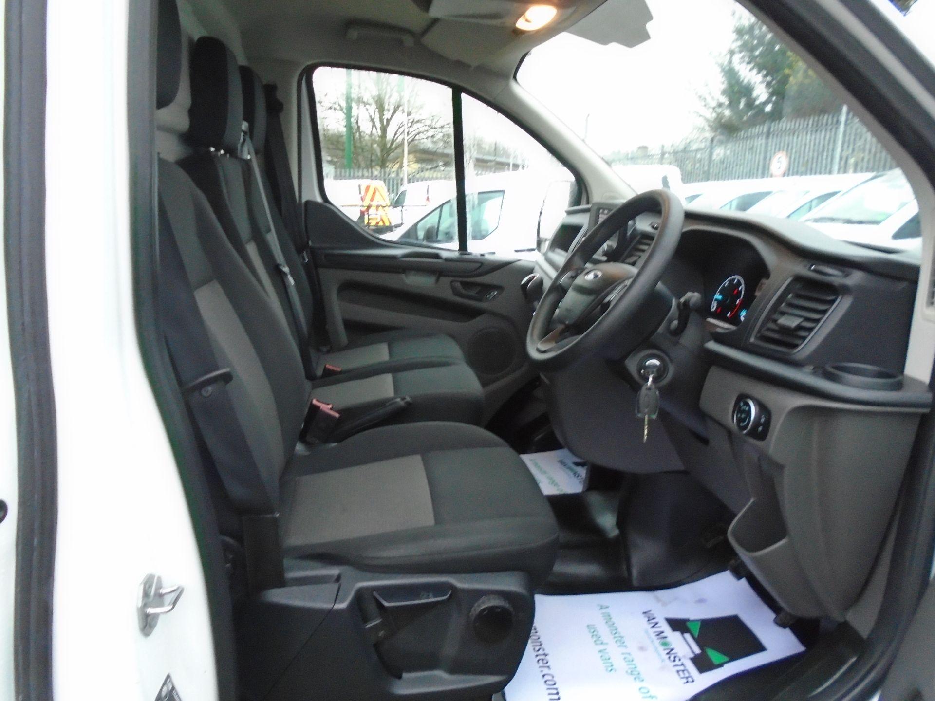 2019 Ford Transit Custom 2.0 Ecoblue 105Ps Low Roof Leader Van *EURO 6* (FP69FHN) Image 16