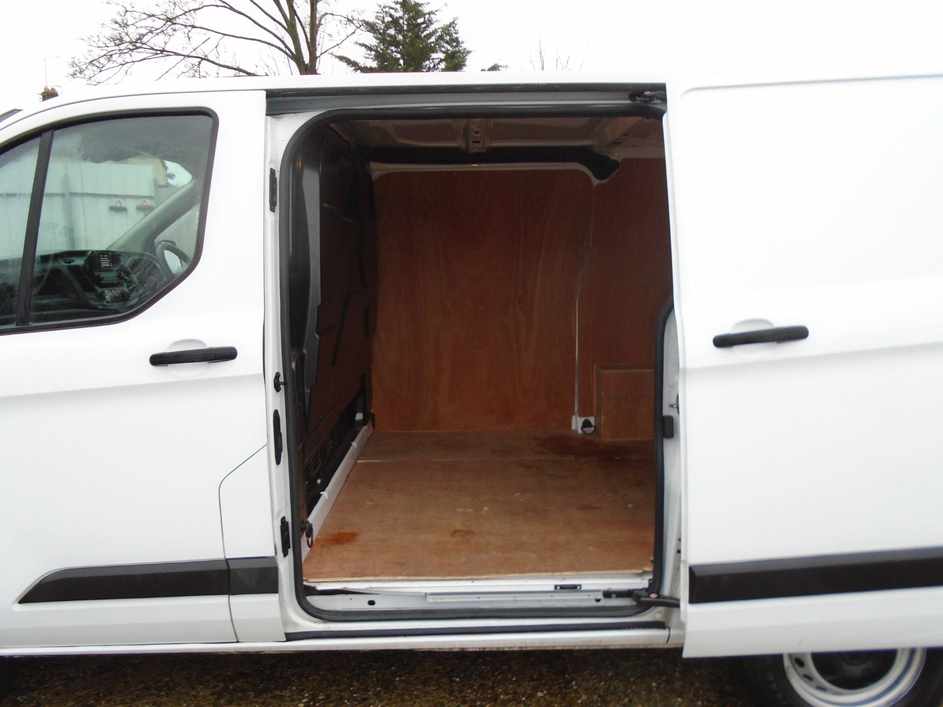2019 Ford Transit Custom 2.0 Ecoblue 105Ps Low Roof Leader Van *EURO 6* (FP69FHN) Image 13