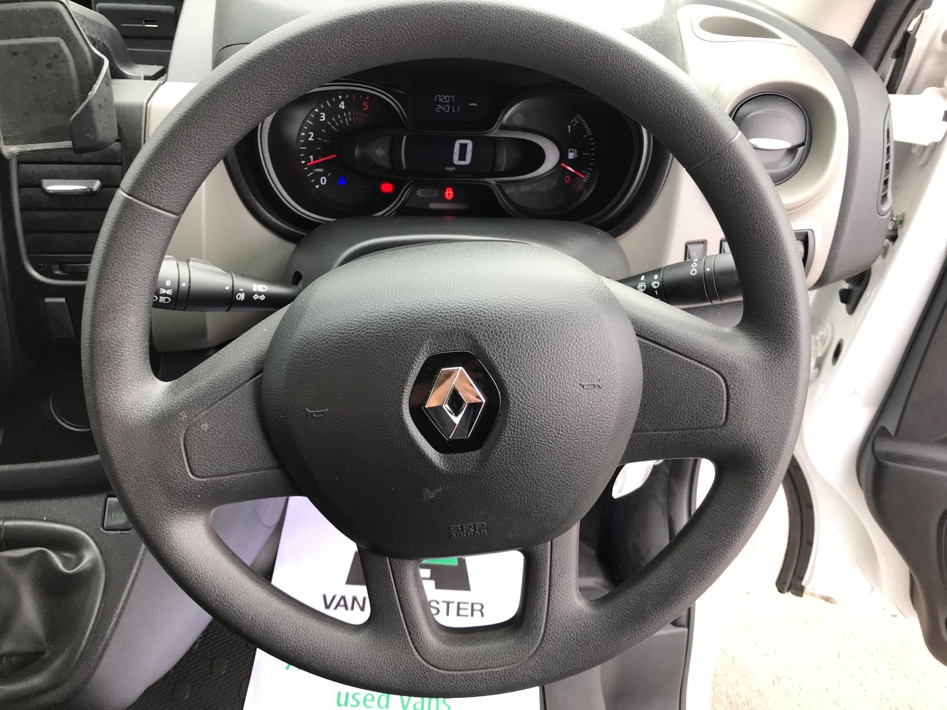 2017 Renault Trafic SL27dCi 120 BUSINESS+ VAN EURO 6 (FY67ODU) Image 12