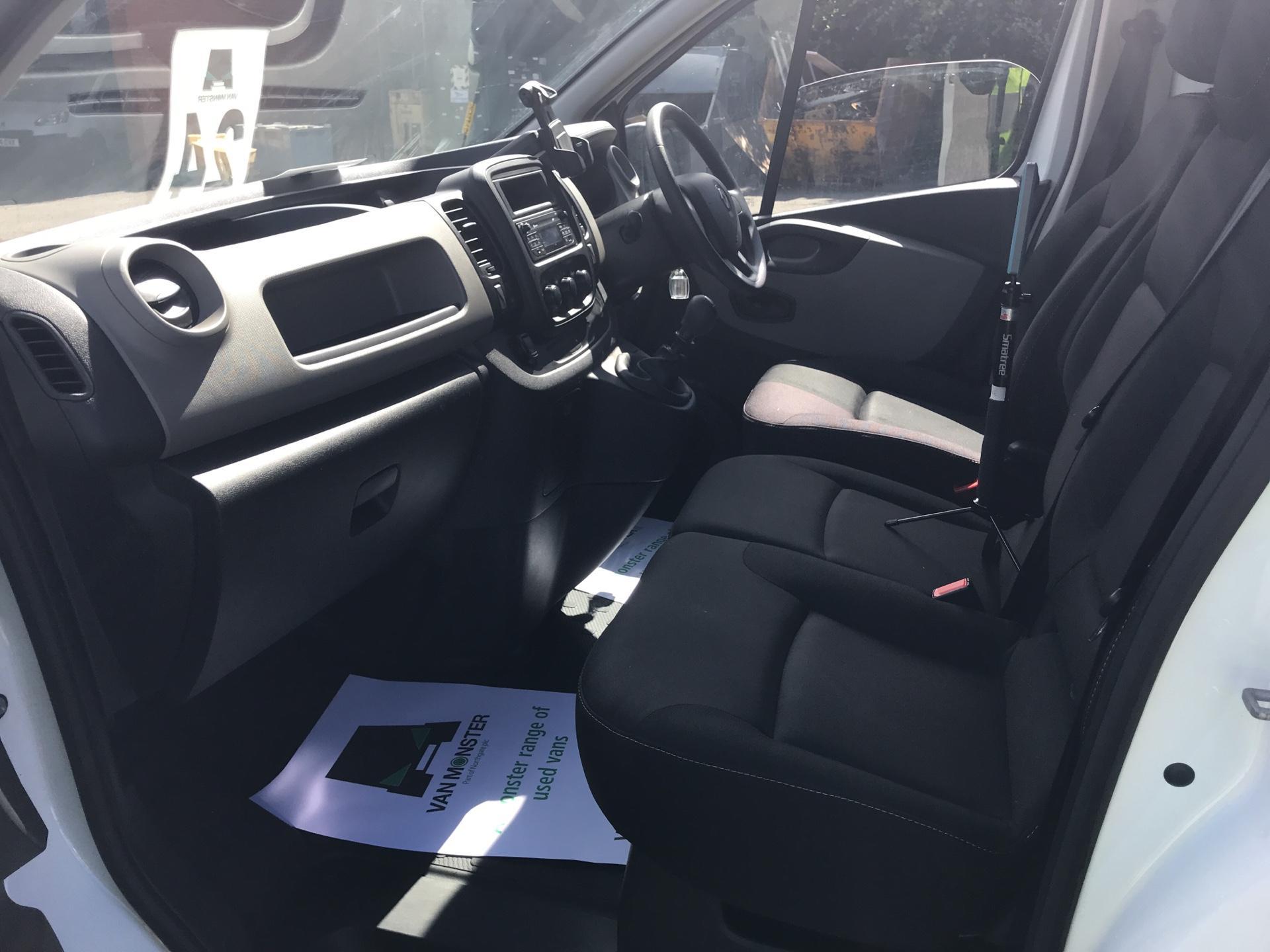 2017 Renault Trafic Sl27 Dci 120 Business+ Van EURO 5 (FY67OEL) Image 14