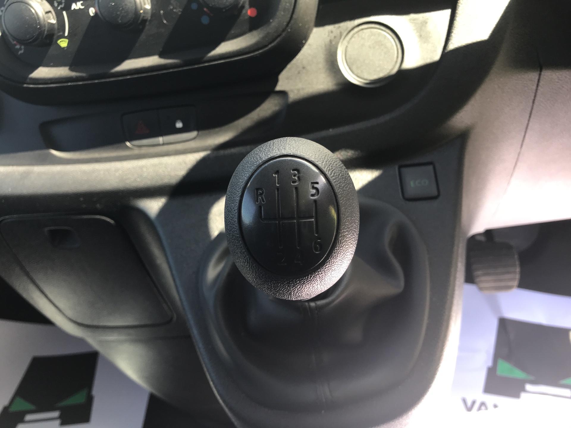 2017 Renault Trafic Sl27 Dci 120 Business+ Van EURO 5 (FY67OEL) Image 11