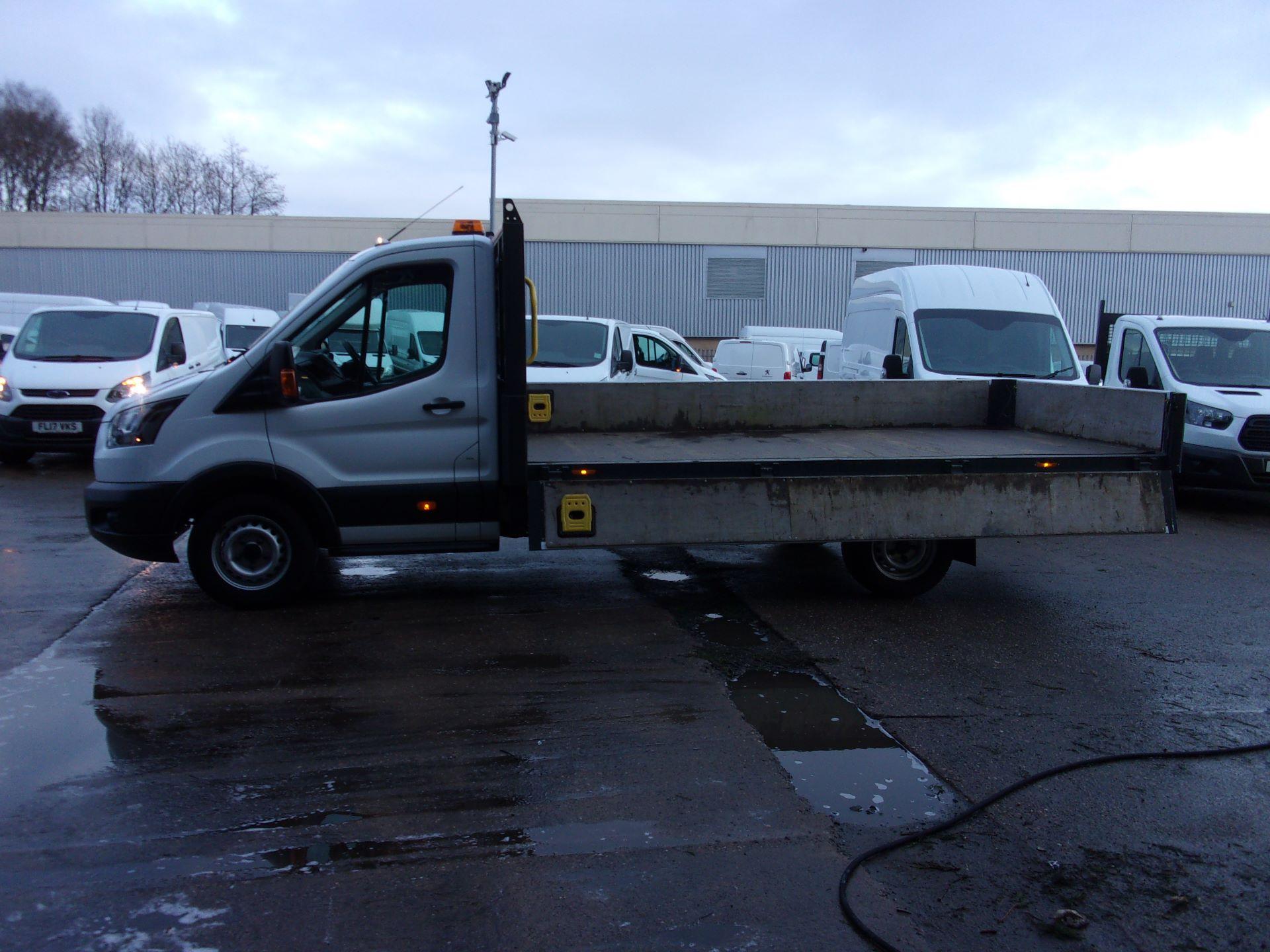 2017 Ford Transit 350 L4 2.0 TDCI 130PS DROPSIDE EURO 6 (FY67SBZ) Image 18