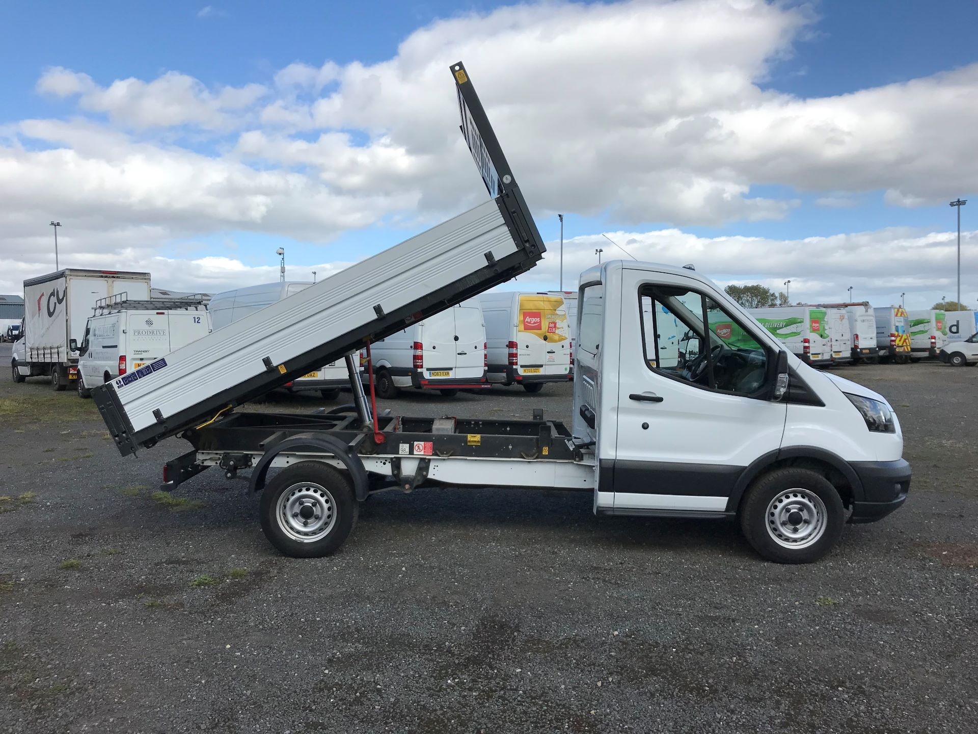 2018 Ford Transit 2.0 Tdci 130Ps Tipper (FY67SPZ) Thumbnail 17