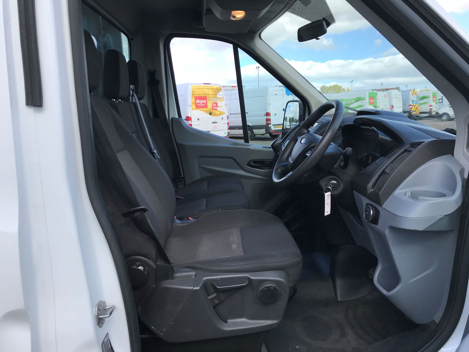 2018 Ford Transit 2.0 Tdci 130Ps Tipper (FY67SPZ) Thumbnail 11