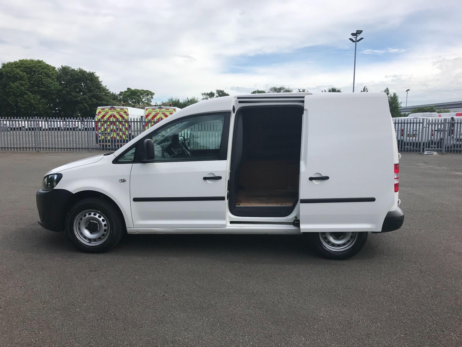 2015 Volkswagen Caddy  1.6 102PS STARTLINE EURO 5 (GC15VNZ) Image 5