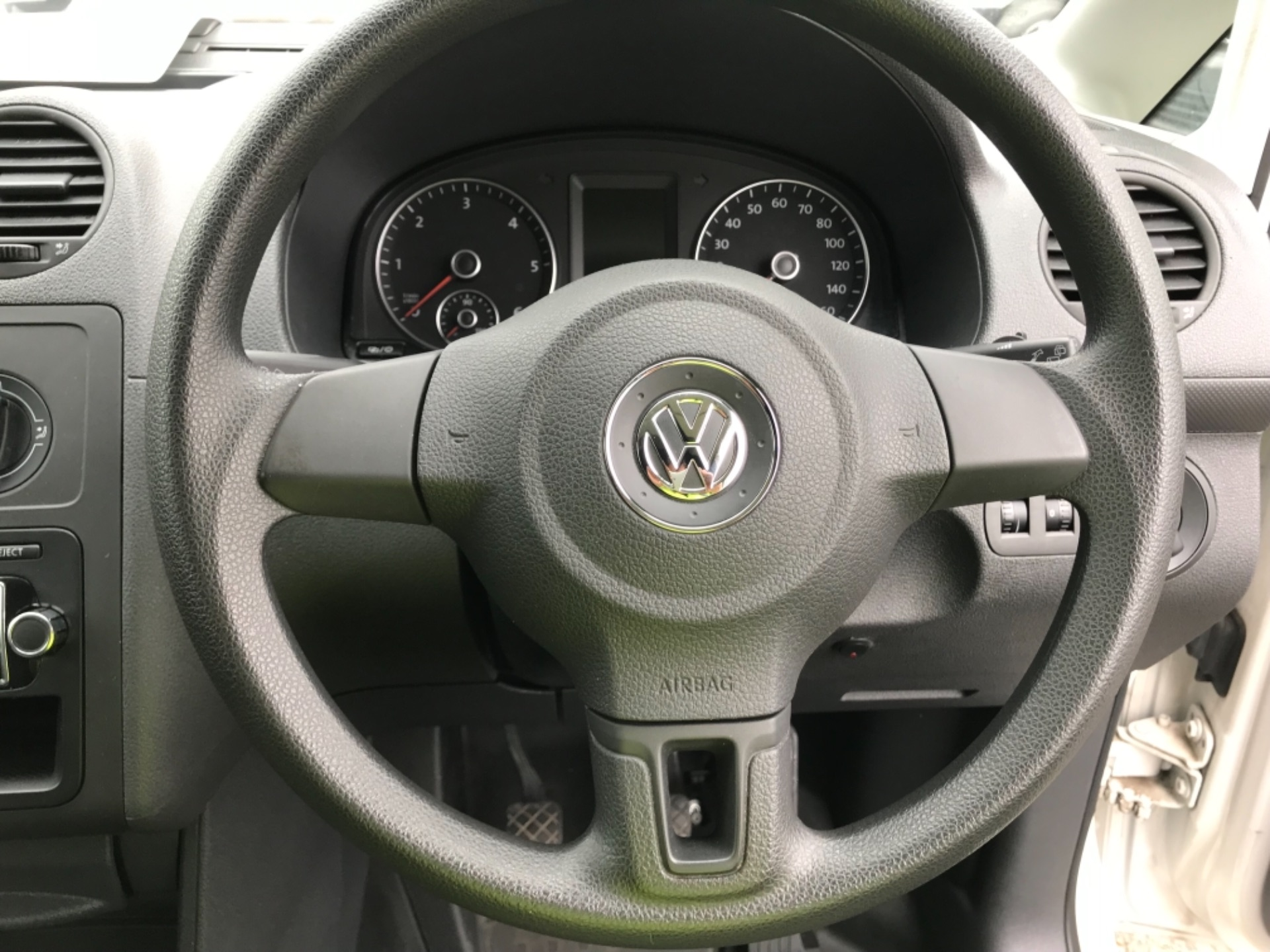 2015 Volkswagen Caddy  1.6 75PS STARTLINE EURO 5 (GC15VRD) Image 14