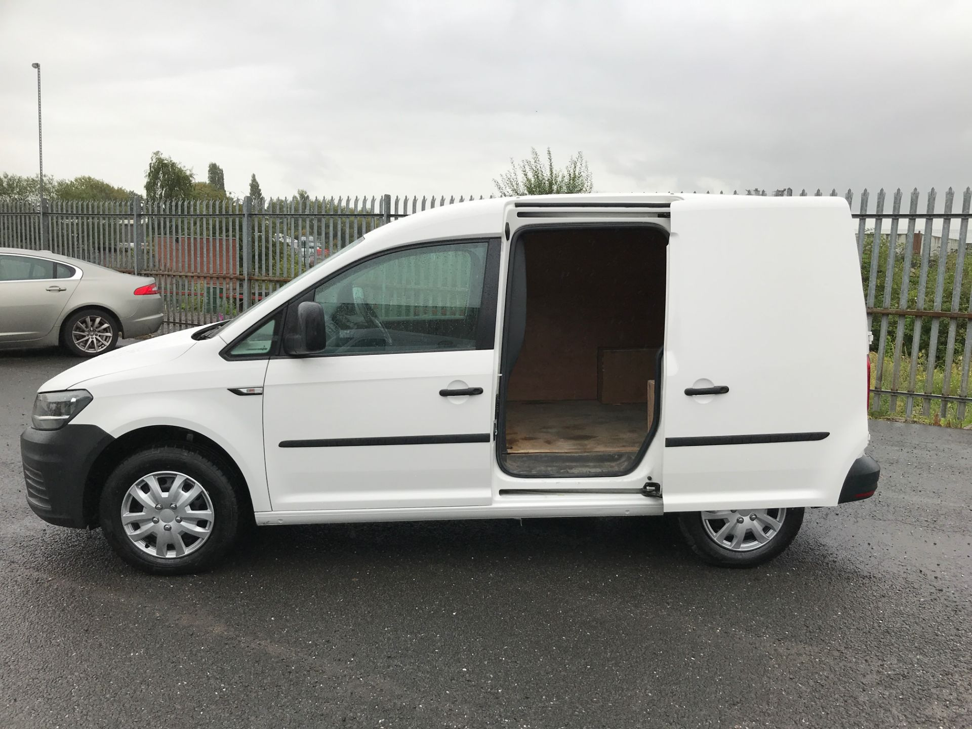 2016 Volkswagen Caddy  2.0TDI 102PS BLUEMOTION TECH 102PS STARTLINE EURO 6 (GC16OYO) Image 18