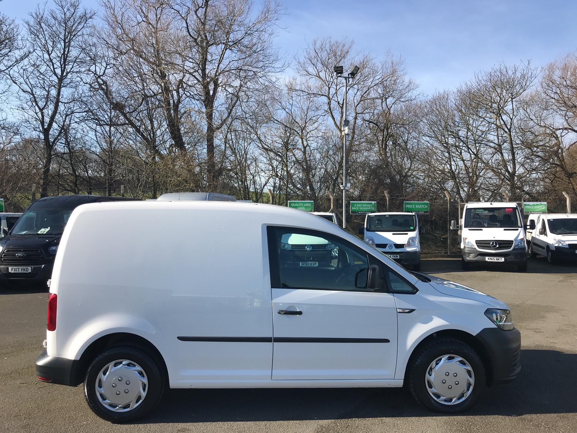 2016 Volkswagen Caddy  2.0 102PS BLUEMOTION TECH 102 STARTLINE EURO 6 (GC16TYV) Thumbnail 2
