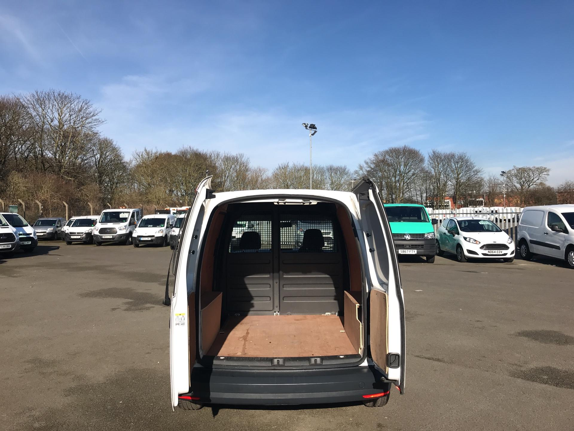 2016 Volkswagen Caddy  2.0 102PS BLUEMOTION TECH 102 STARTLINE EURO 6 (GC16TYV) Thumbnail 16