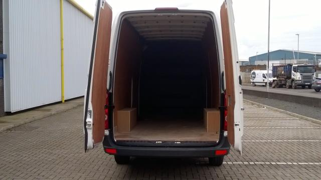 2016 Volkswagen Crafter CR35 LWB 2.0 TDI 136PS HIGH ROOF EURO 5 (GC16UCO) Image 7
