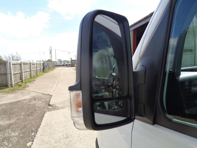 2016 Volkswagen Crafter CR35 LWB 2.0 136PS HIGH ROOF EURO 5 (GC16XSP) Image 7