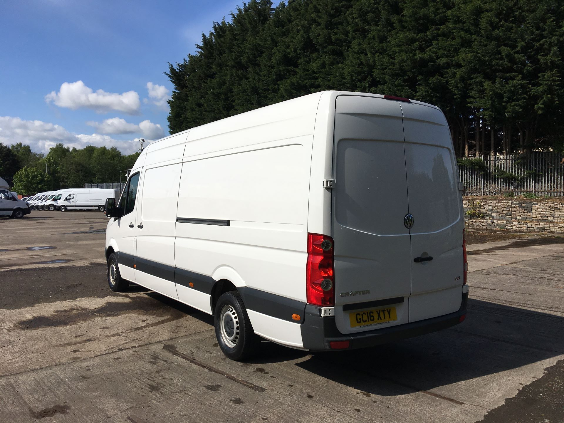2016 Volkswagen Crafter CR35 LWB 2.0 TDI 136PS HIGH ROOF EURO 5 (GC16XTY) Image 11